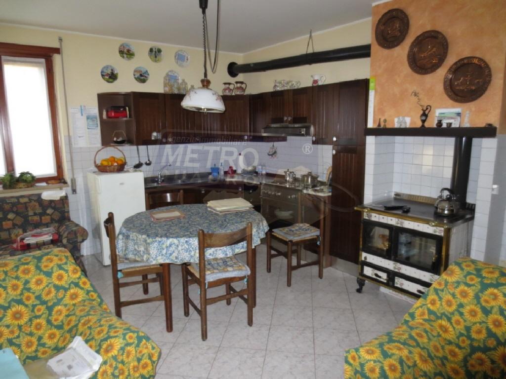 Soluzione Indipendente in vendita a Fara Vicentino, 7 locali, prezzo € 440.000 | CambioCasa.it