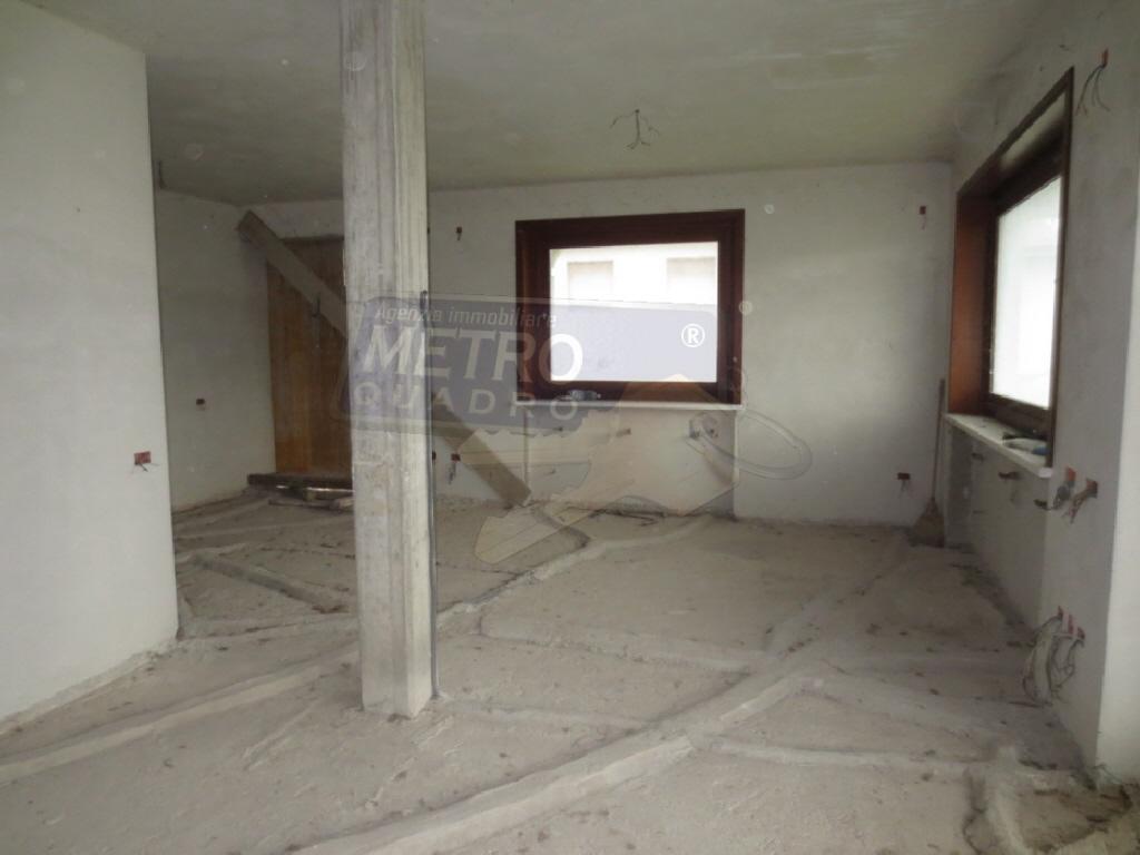 Soluzione Indipendente in vendita a Zugliano, 8 locali, prezzo € 320.000 | CambioCasa.it