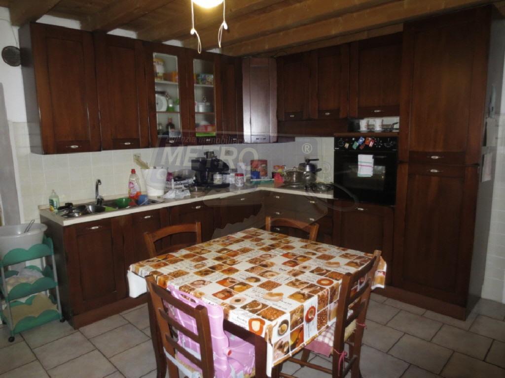 Soluzione Indipendente in vendita a Zugliano, 6 locali, prezzo € 250.000 | CambioCasa.it
