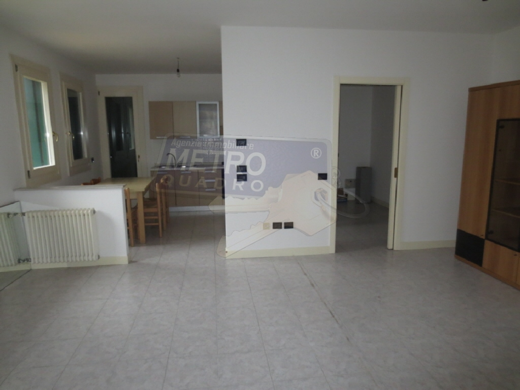 Appartamento in buone condizioni in vendita Rif. 5495117