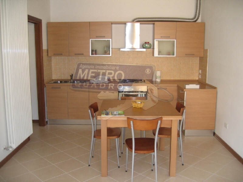 Appartamento in buone condizioni in vendita Rif. 9328446