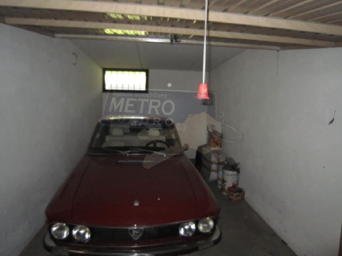 Box/Posto auto THIENE R/3691