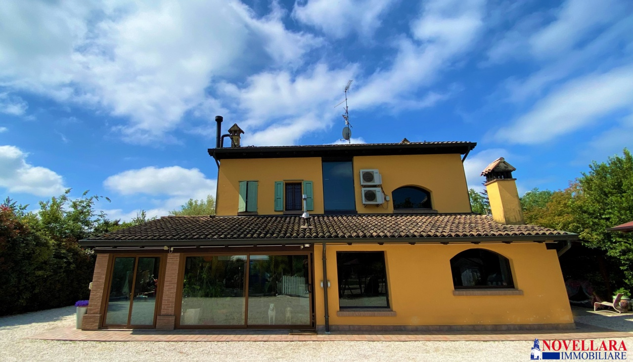 Villa singola NOVELLARA RN4-555