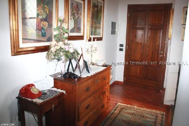 Soluzione Indipendente in vendita a Massa, 7 locali, zona Località: GENERICA, prezzo € 330.000 | Cambio Casa.it
