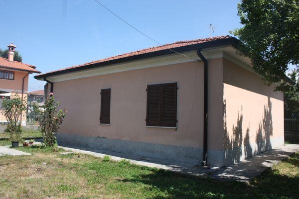 vendita casa indipendente massa periferia  230000 euro  4 locali  90 mq