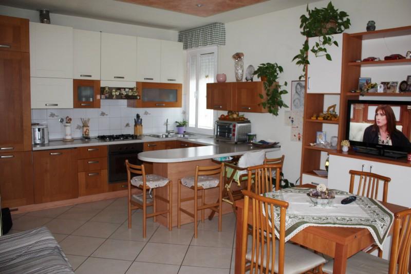 Appartamento in vendita a Massa, 3 locali, zona Località: MARINA DI MASSA, prezzo € 180.000 | Cambio Casa.it