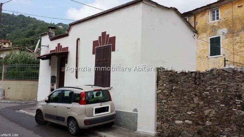 Soluzione Indipendente in vendita a Carrara, 2 locali, zona Località: FOSSOLA, prezzo € 80.000 | Cambio Casa.it