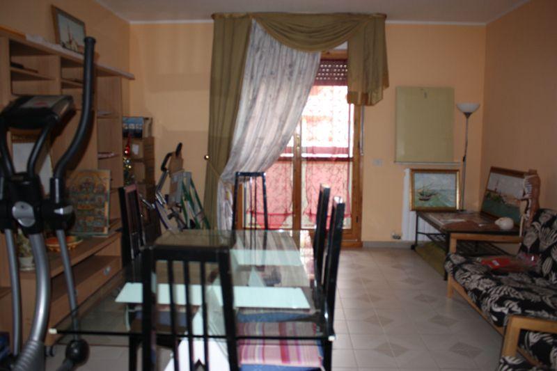 Appartamento in vendita a Massa, 5 locali, zona Località: PERIFERIA, prezzo € 230.000   Cambio Casa.it