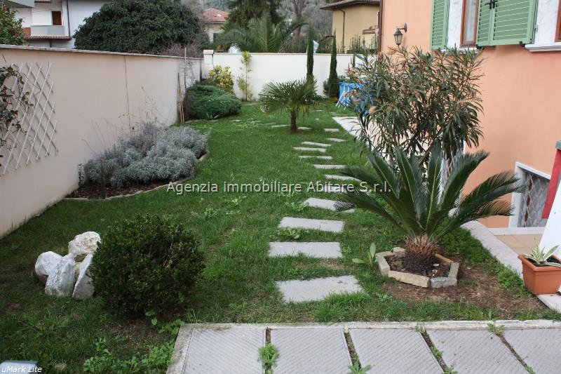 Soluzione Indipendente in vendita a Carrara, 5 locali, zona Località: S. ANTONIO, prezzo € 330.000 | Cambio Casa.it