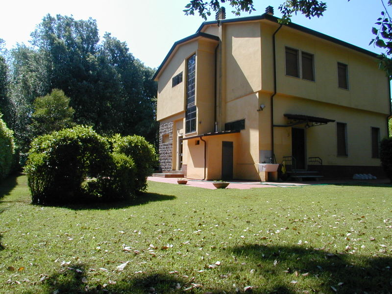 Villa in vendita a Massa, 10 locali, zona Località: POVEROMO, prezzo € 920.000 | Cambio Casa.it