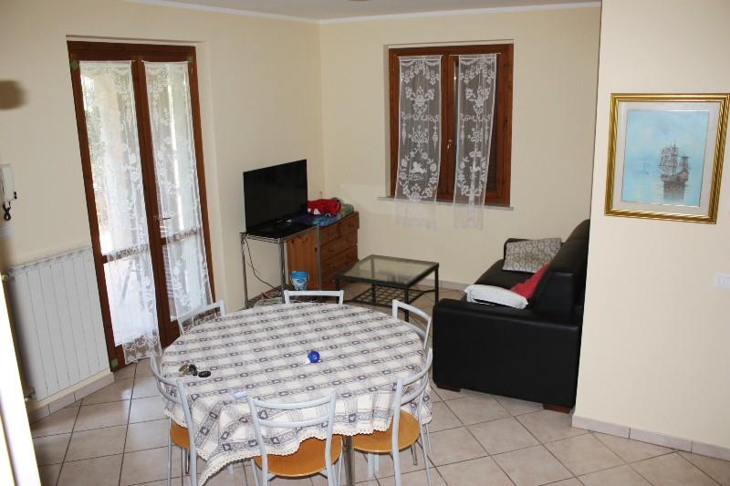 Villa affiancata schiera in vendita a massa ms 85mq for Berti arredamenti srl massa ms