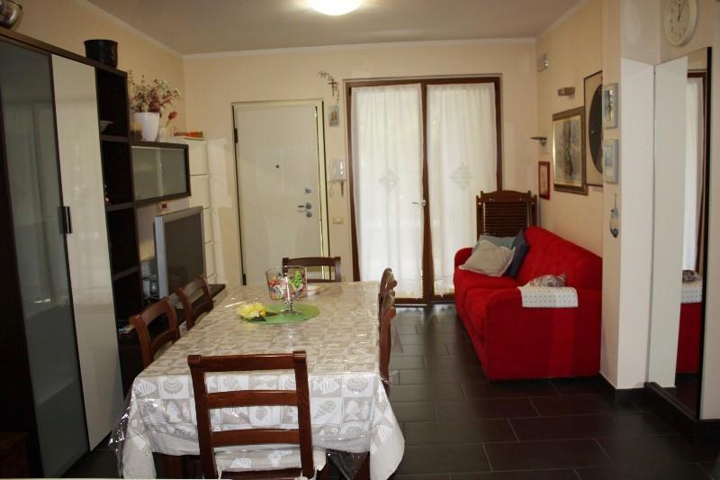 Soluzione Indipendente in vendita a Massa, 3 locali, zona Località: MARINA DI MASSA, prezzo € 310.000 | Cambio Casa.it