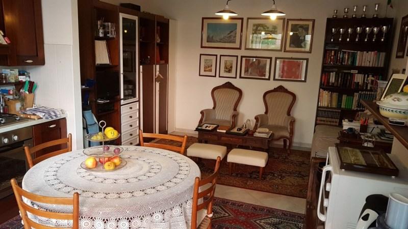 Soluzione Indipendente in vendita a Massa, 3 locali, zona Località: MARINA DI MASSA, prezzo € 250.000 | Cambio Casa.it