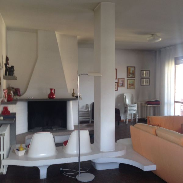 Attico / Mansarda in vendita a Massa, 6 locali, zona Località: MARINA DI MASSA, prezzo € 650.000 | Cambio Casa.it