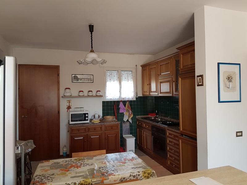 Appartamento trilocale in vendita a Massa (MS)