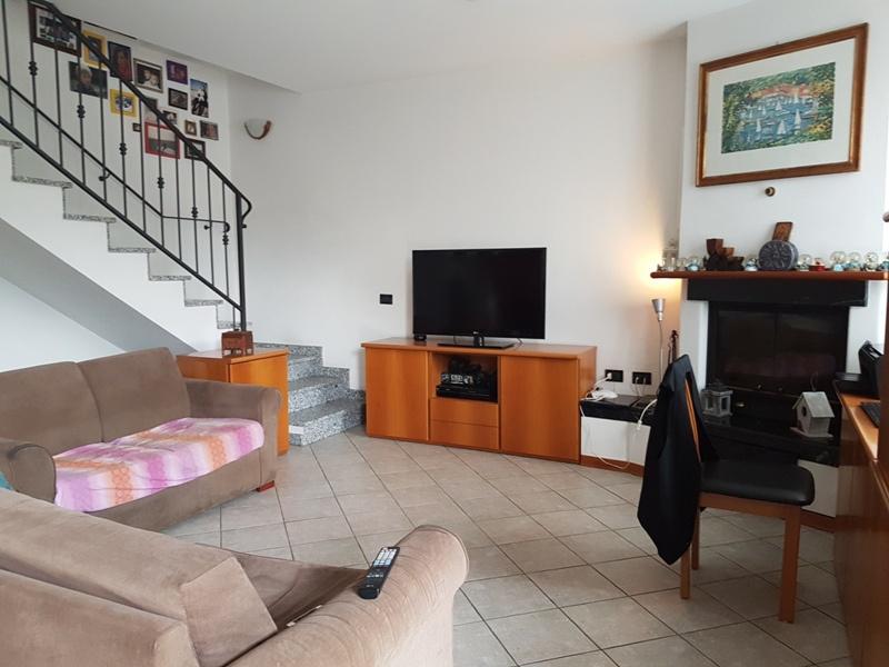 Villa a schiera 6 locali in vendita a Massa (MS)