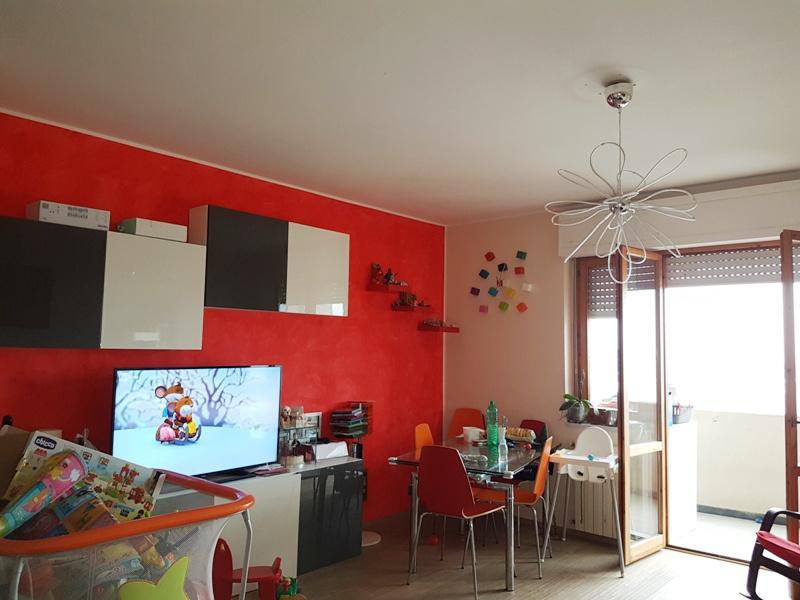 Appartamento 6 locali in vendita a Carrara (MS)