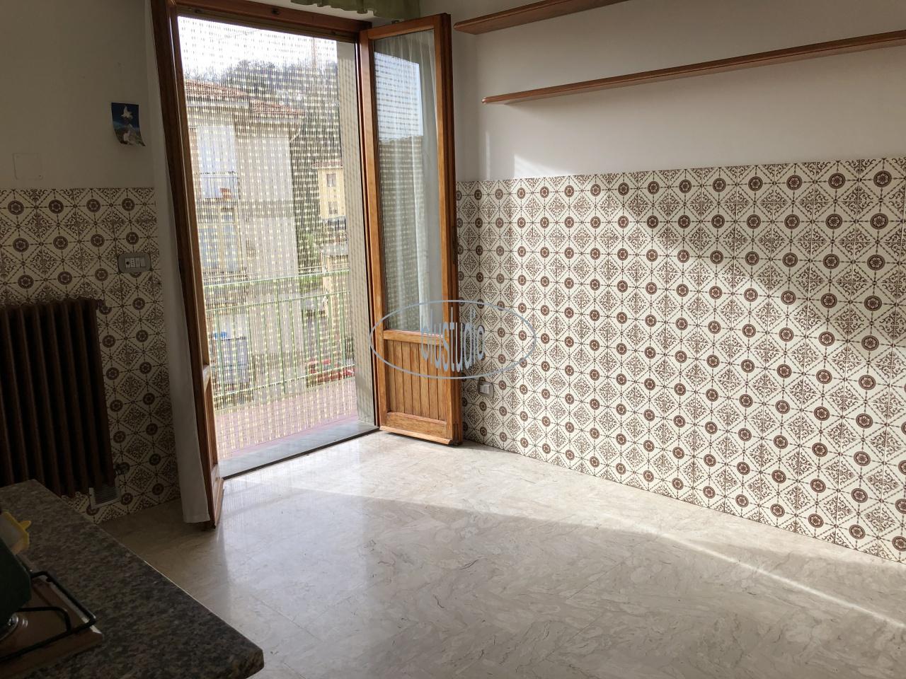 Appartamento in vendita a Figline e Incisa Valdarno, 5 locali, prezzo € 155.000 | PortaleAgenzieImmobiliari.it