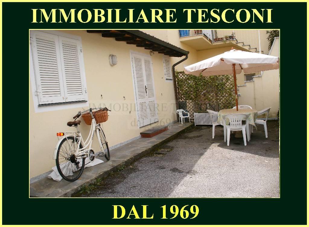 Appartamento in affitto a Pietrasanta, 2 locali, zona Località: MARINA DI PIETRASANTA, Trattative riservate | Cambio Casa.it