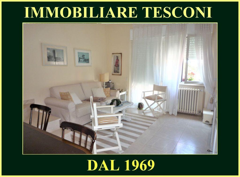Appartamento in affitto a Pietrasanta, 5 locali, zona Località: MARINA DI PIETRASANTA, Trattative riservate | Cambio Casa.it
