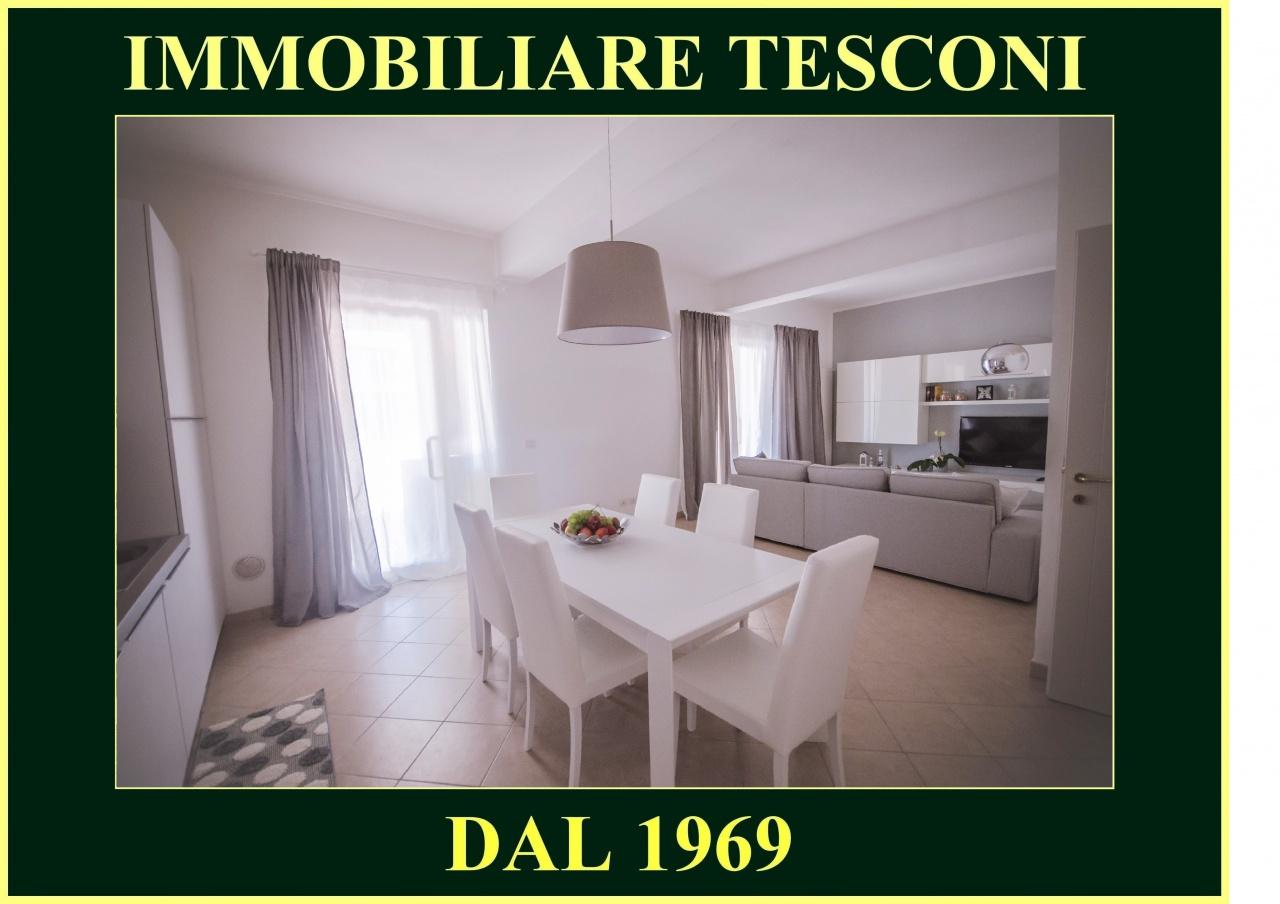 Appartamento in vendita a Pietrasanta, 4 locali, prezzo € 420.000 | PortaleAgenzieImmobiliari.it