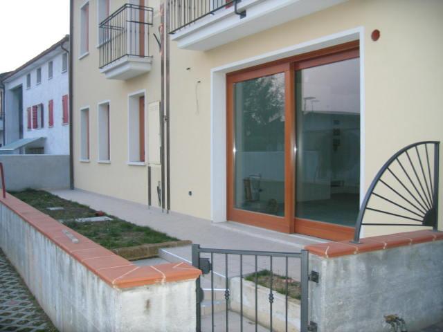 Appartamento in vendita a Asolo, 5 locali, zona Località: VILLA, prezzo € 99.000 | Cambio Casa.it