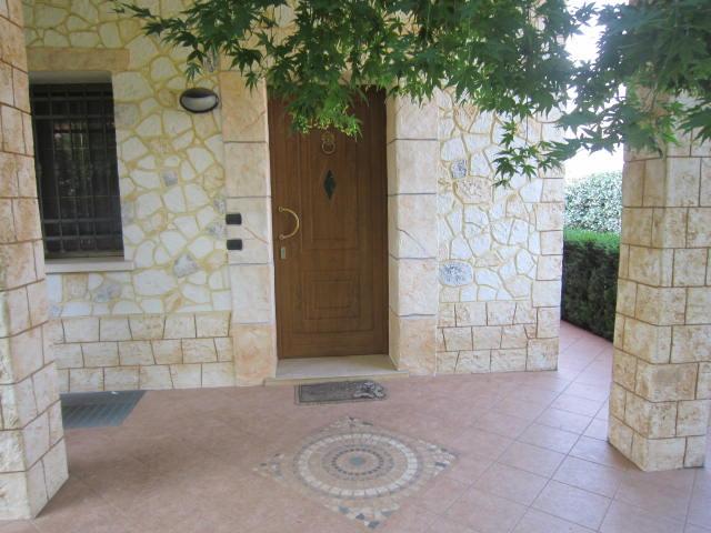 Villa in vendita a Altivole, 12 locali, zona Località: SEMICENTRO OVEST, prezzo € 490.000 | Cambio Casa.it