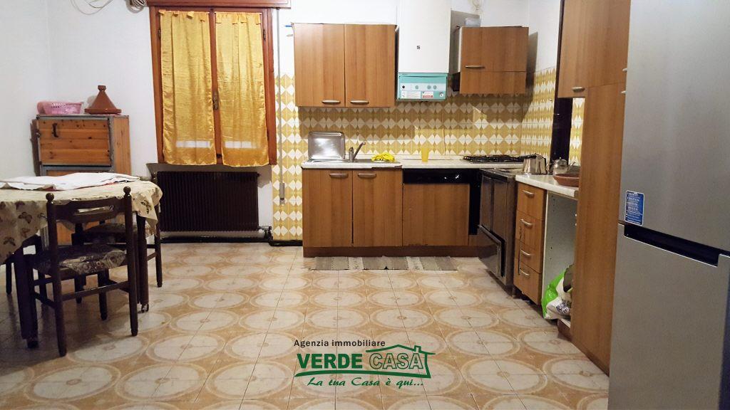 Appartamento in buone condizioni in vendita Rif. 5731116