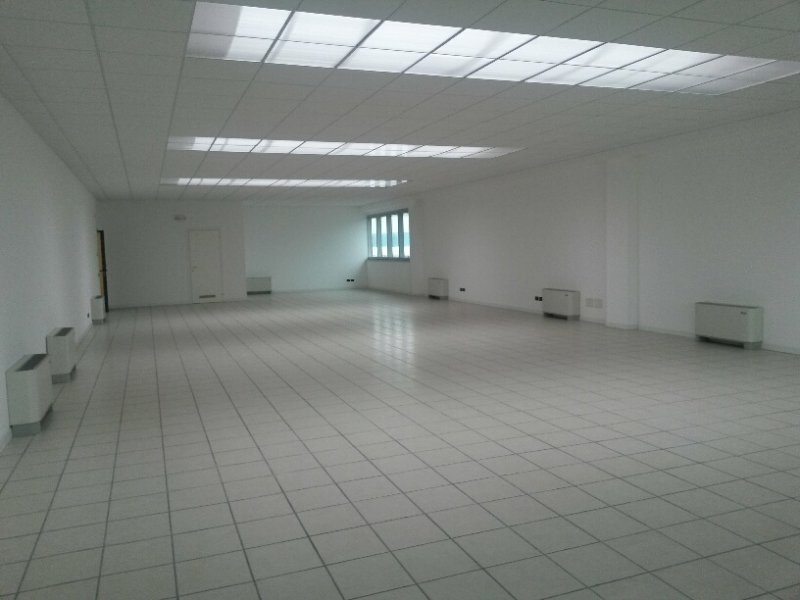 Ufficio / Studio in vendita a Asolo, 5 locali, zona Località: CASELLA, prezzo € 115.000 | Cambio Casa.it