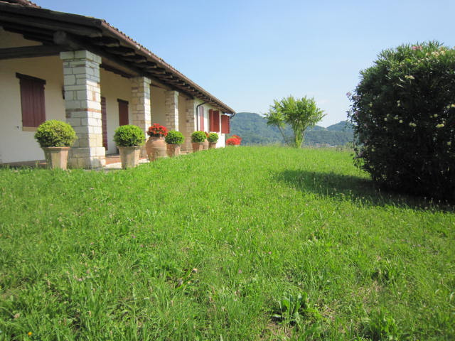 Villa in Vendita a Monfumo