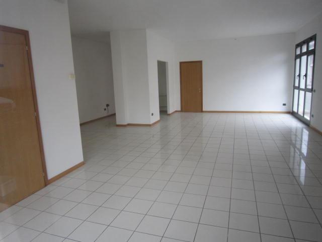 Negozio / Locale in affitto a Altivole, 1 locali, zona Località: CENTRO, prezzo € 500 | Cambio Casa.it