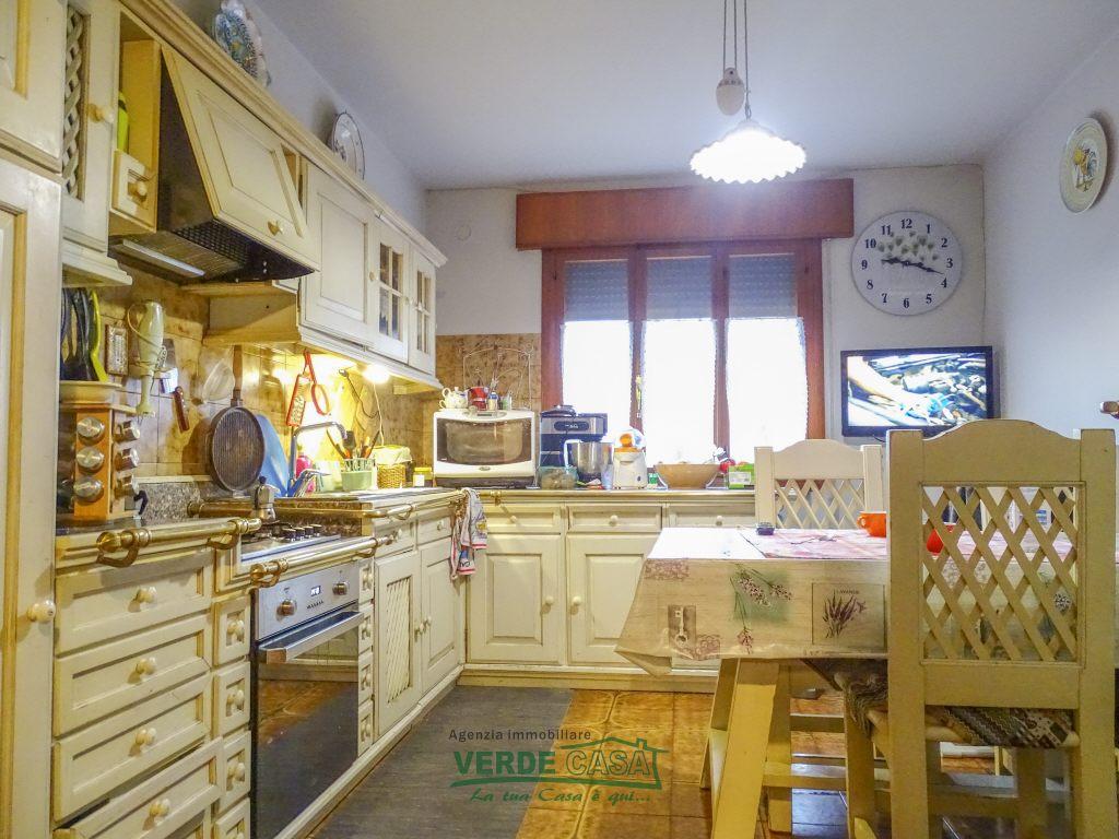 Appartamento in vendita a Altivole, 6 locali, prezzo € 85.000 | PortaleAgenzieImmobiliari.it