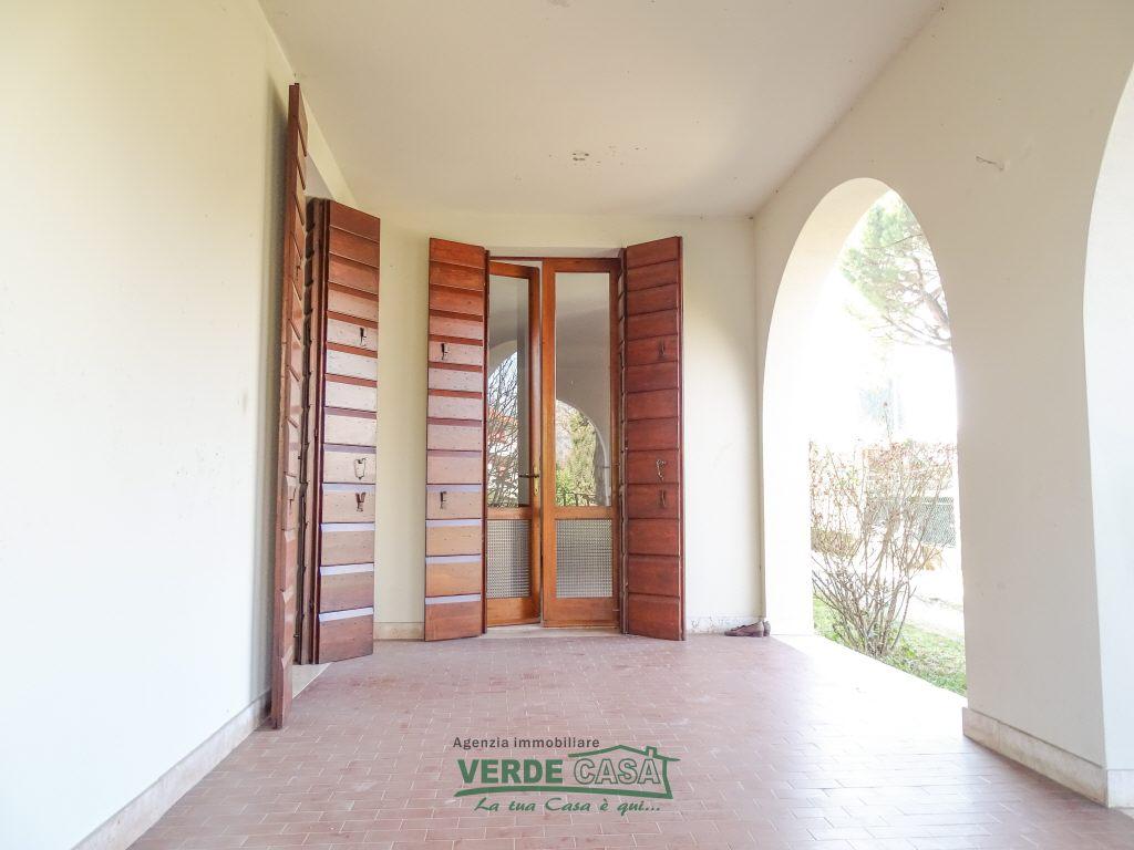 Appartamento in buone condizioni in vendita Rif. 9809374