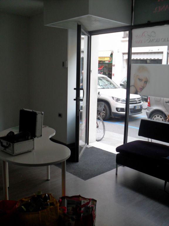 Negozio / Locale in affitto a Brescia, 1 locali, zona Località: GENERICA, prezzo € 950 | Cambio Casa.it