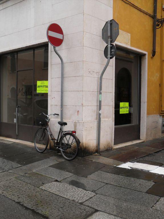 Negozio / Locale in affitto a Brescia, 2 locali, zona Località: CENTRO STORICO, prezzo € 700 | Cambio Casa.it