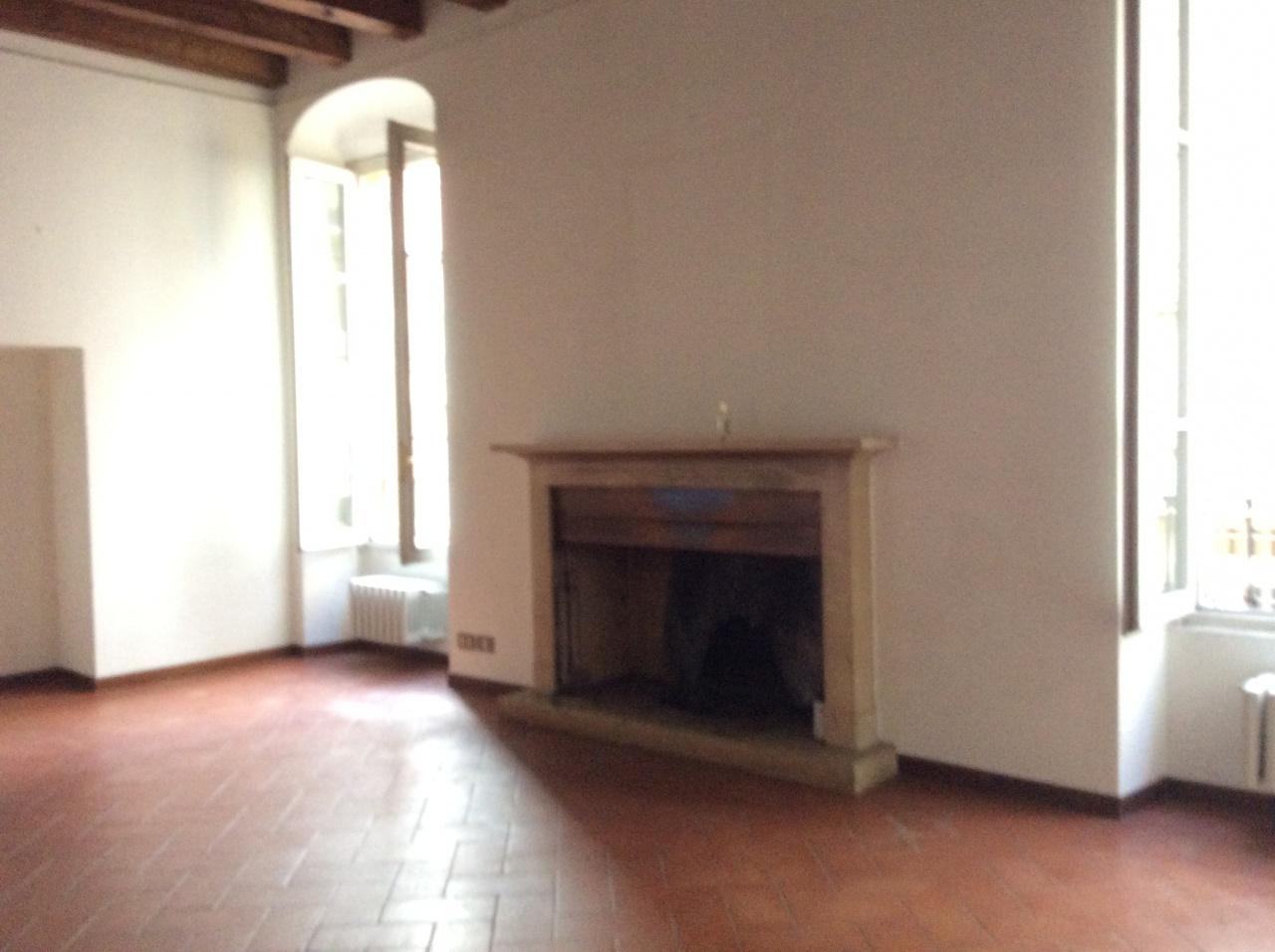 Appartamento in ottime condizioni in affitto Rif. 12142053