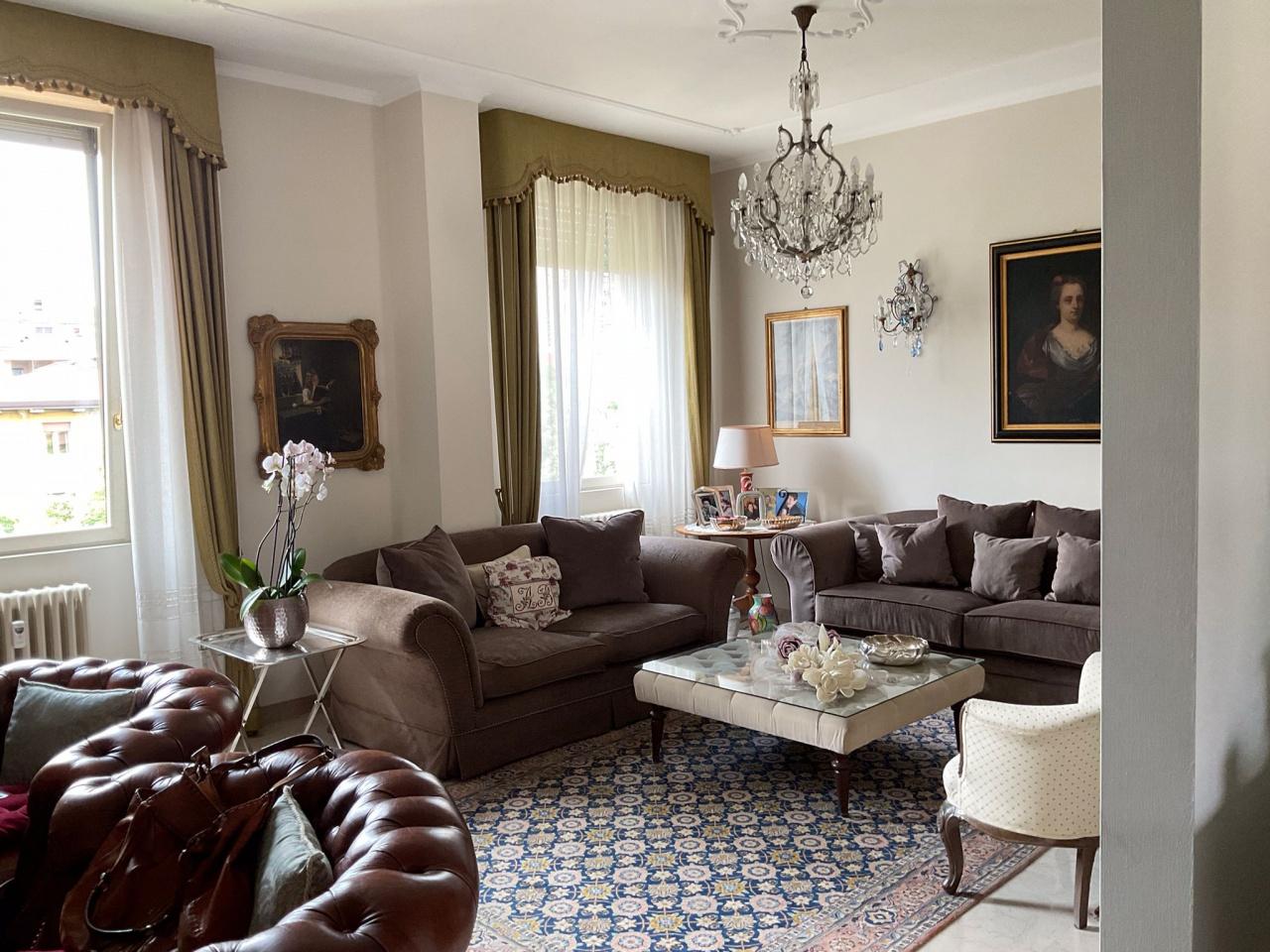 Appartamento in vendita a Brescia, 4 locali, prezzo € 470.000 | CambioCasa.it