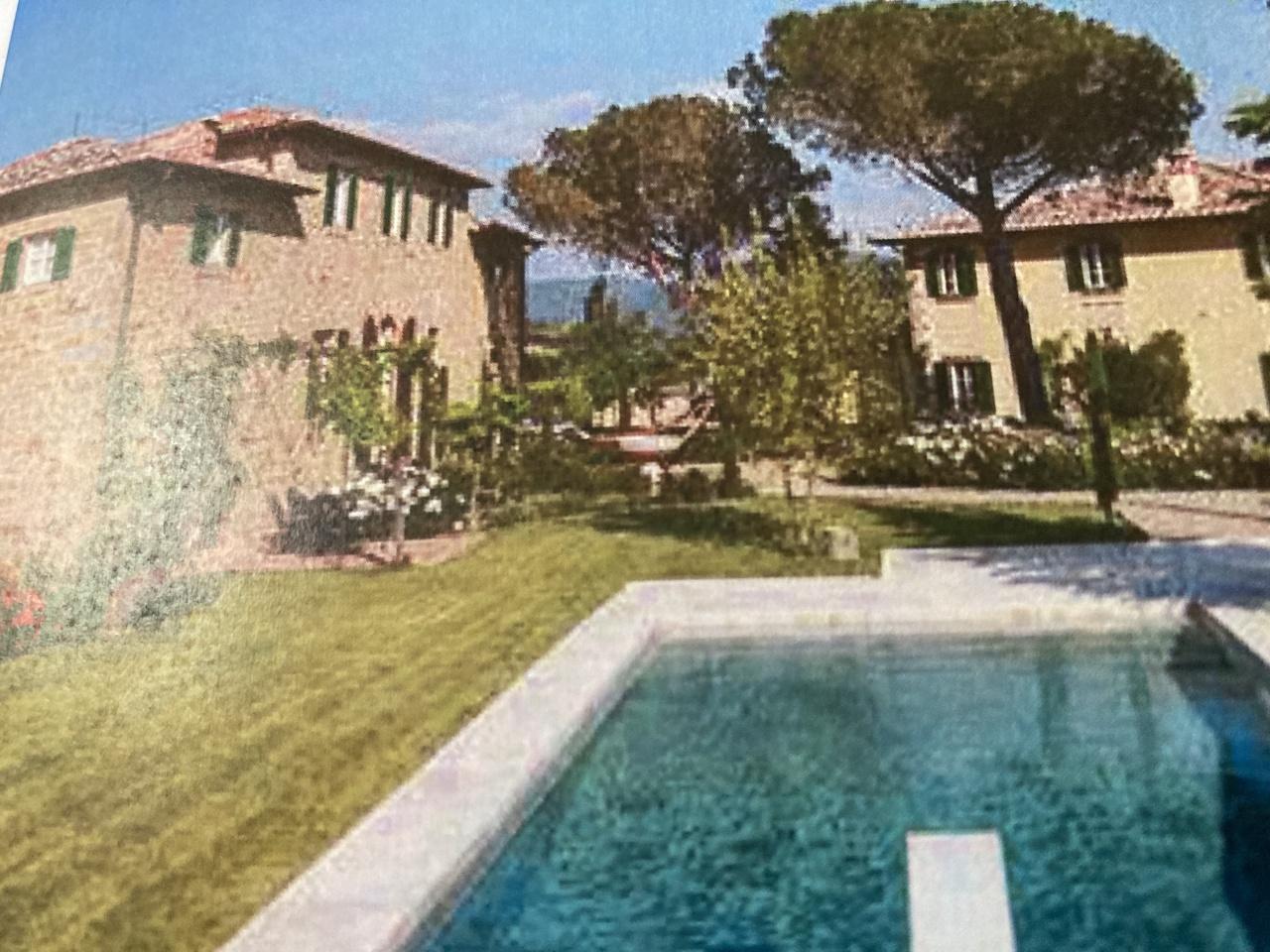 Palazzo / Stabile in vendita a Paderno Franciacorta, 9999 locali, prezzo € 1.200.000 | CambioCasa.it