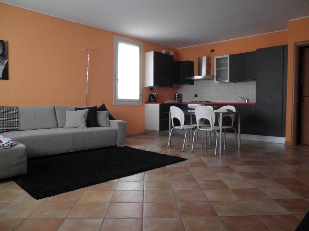 Appartamento in ottime condizioni in vendita Rif. 4759226