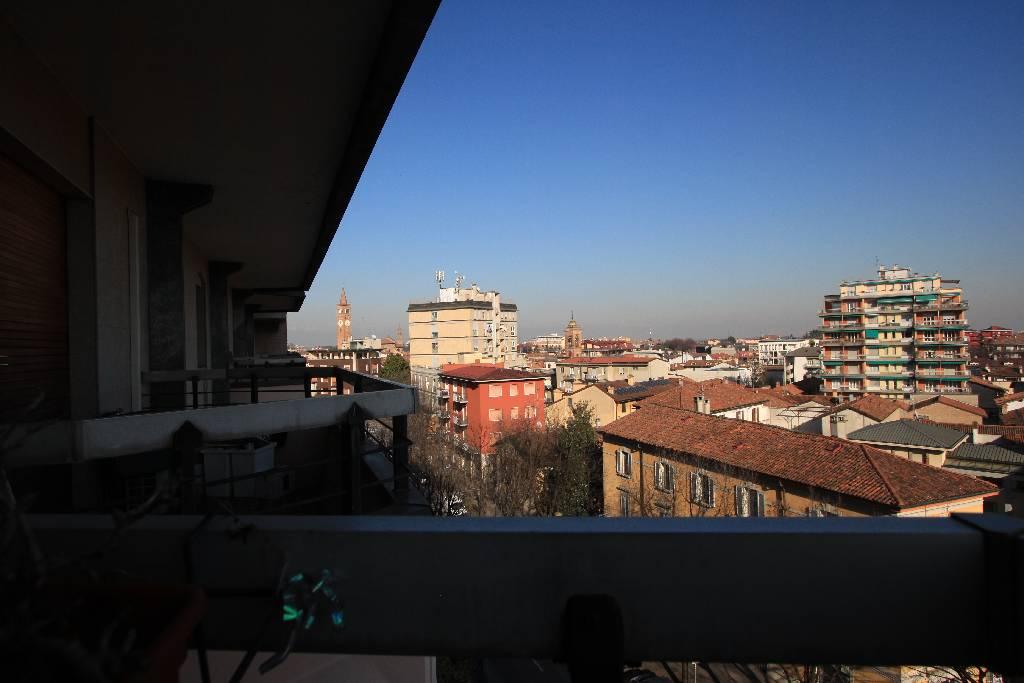 Appartamento in vendita a Treviglio, 4 locali, Trattative riservate | CambioCasa.it