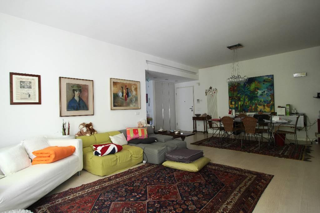 Appartamento in vendita a Treviglio, 3 locali, prezzo € 370.000 | CambioCasa.it