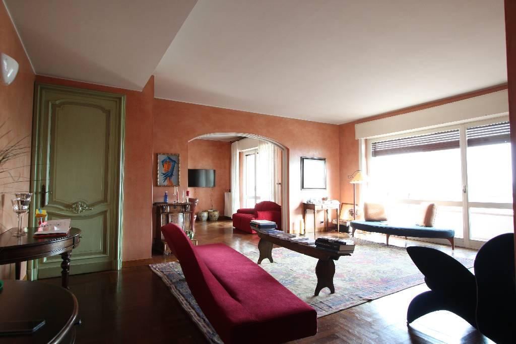 Appartamento in vendita a Treviglio, 3 locali, prezzo € 350.000 | Cambio Casa.it