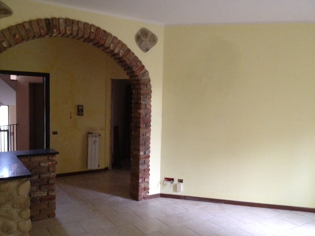 Appartamento in vendita a Bonate Sotto, 3 locali, prezzo € 139.500 | Cambio Casa.it