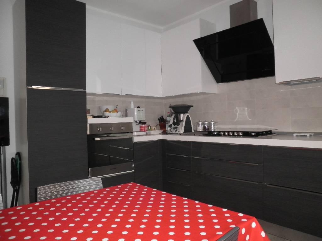 Villa in vendita a Treviglio, 5 locali, prezzo € 360.000 | Cambio Casa.it