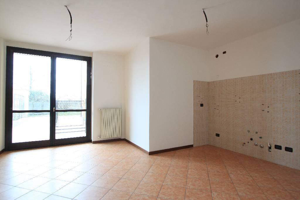 Appartamento in vendita a Treviglio, 3 locali, prezzo € 170.000 | Cambio Casa.it