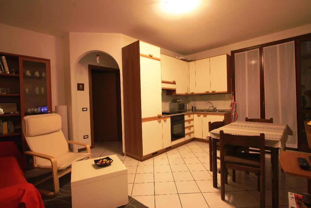 Appartamento in affitto a Treviglio, 2 locali, prezzo € 600 | Cambio Casa.it