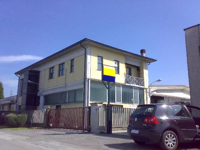 Ufficio / Studio in vendita a Treviglio, 9999 locali, Trattative riservate | CambioCasa.it