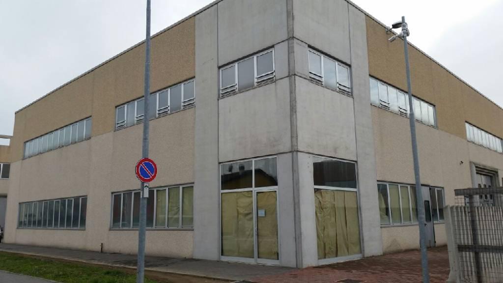Capannone in vendita a Treviglio, 9999 locali, prezzo € 570.000 | Cambio Casa.it