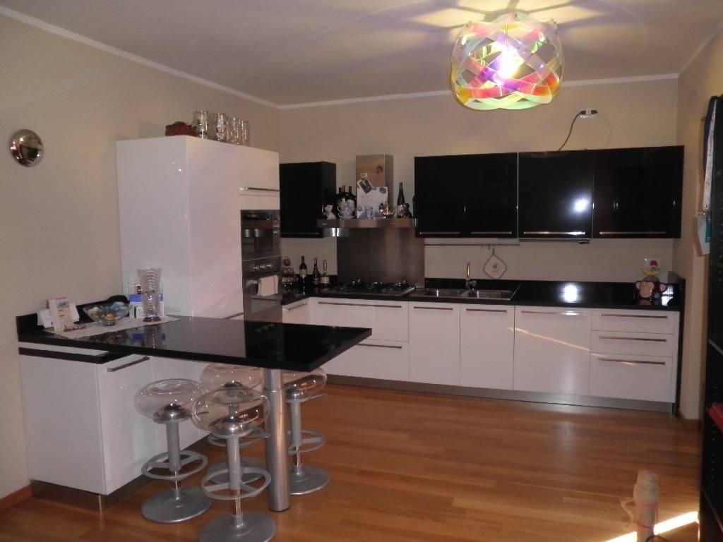 Appartamento in vendita a Calvenzano, 2 locali, prezzo € 95.000 | Cambio Casa.it