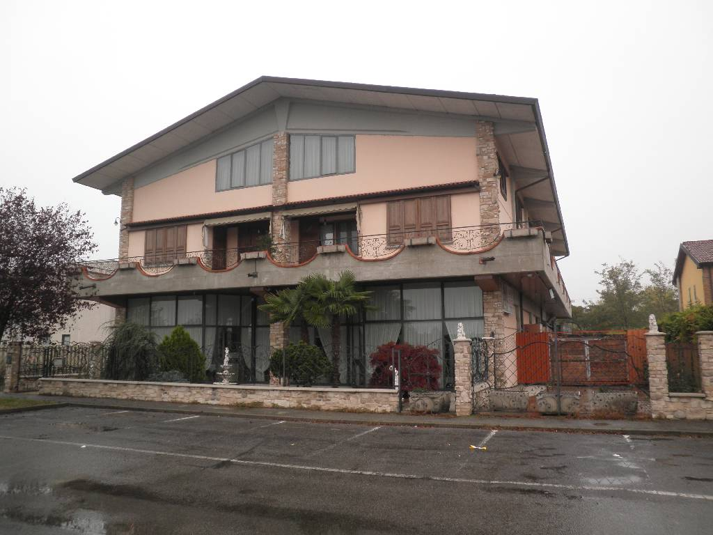 Negozio / Locale in vendita a Calvenzano, 9999 locali, prezzo € 650.000 | Cambio Casa.it